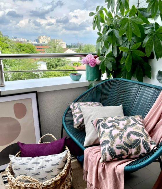 Perne decorative pe balcon 2